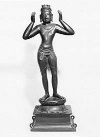 Photograph of the bronze sculpture of Bharata carrying Rama's paduka on his head