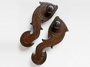 The fish is a traditional symbol of fertility and plenty in India. As creatures of boundless liberty, fish appear as saviours in Indian myth and as avatars, or incarnations, of the deities Vishnu and Varuna.Wooden padukas inlaid with brass20th century, South BengalP84.154Photo: John Bigelow Taylor