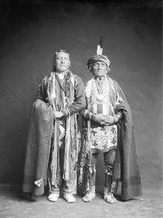 Nos-kah-noie and Wahn-shun-gah, Kansa Chief, vers 1902Charles Milton BellNational Anthropological Archives, Smithsonian Museum, 52862