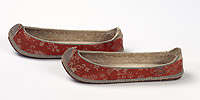 Red silk-covered women's shoes (woon-hye) with round upturned toe, slighted pointed on vamp.