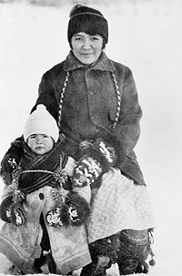 Photograph of Nina Bergman with her daughter, Adeline in Old Crow, Yukon Territories.